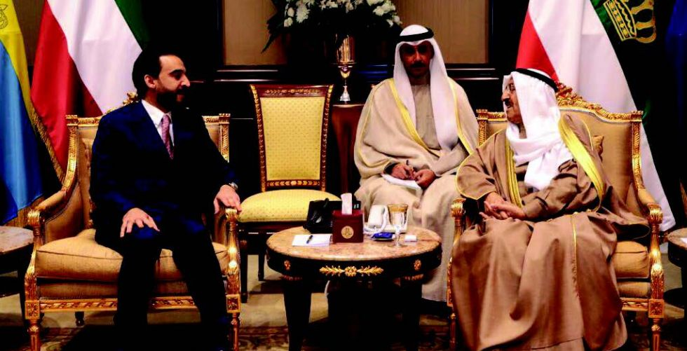 Halabousi discusses with the Emir of Kuwait a number of economic files
