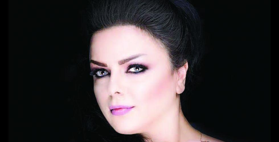 المطربة نادين عامر: تواصلنا مع الجمهور بات افتراضياً