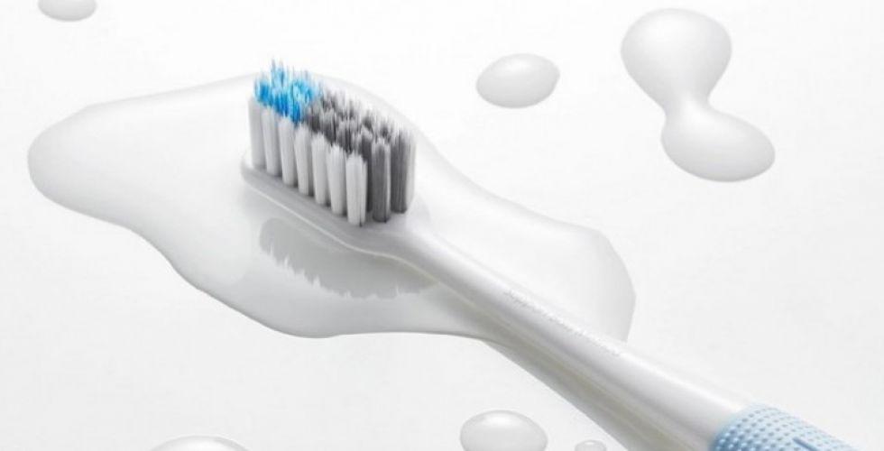 فرشاة أسنان تستخدم الذكاء الاصطناعي