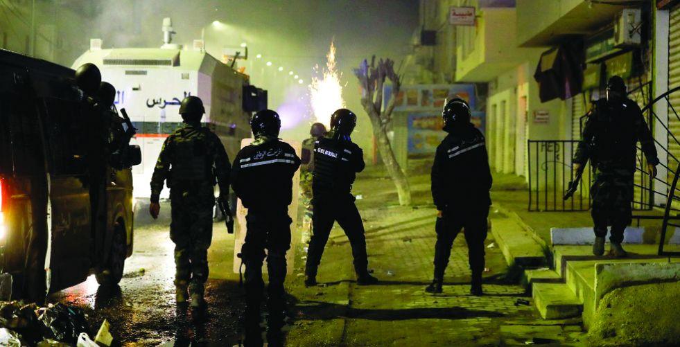 تجدد المواجهات في تونس بين الشرطة والمحتجين