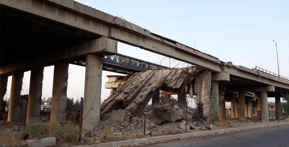 جسور الموصل «خارج الخدمة» ومقاولون: الصيانة لم تكن صحيحة