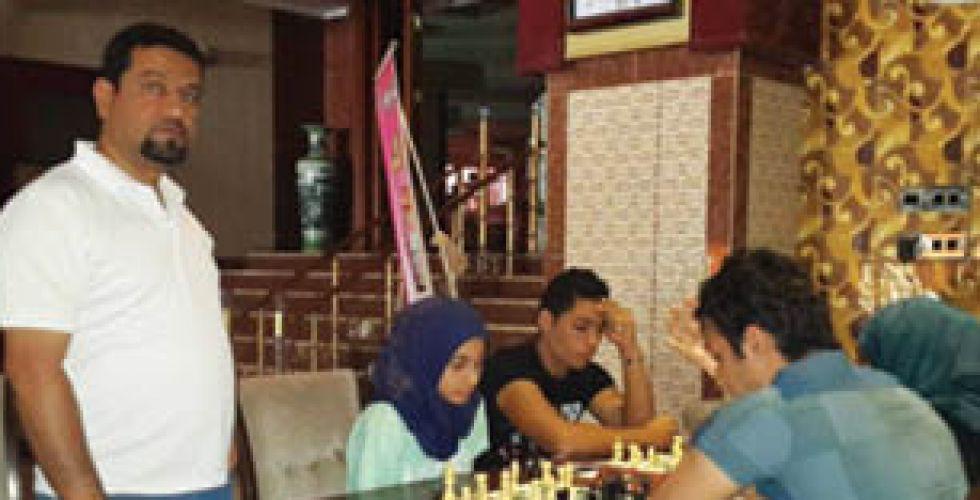 رويدة محسن تتوّج بلقب الجامعة التكنولوجية بالشطرنج