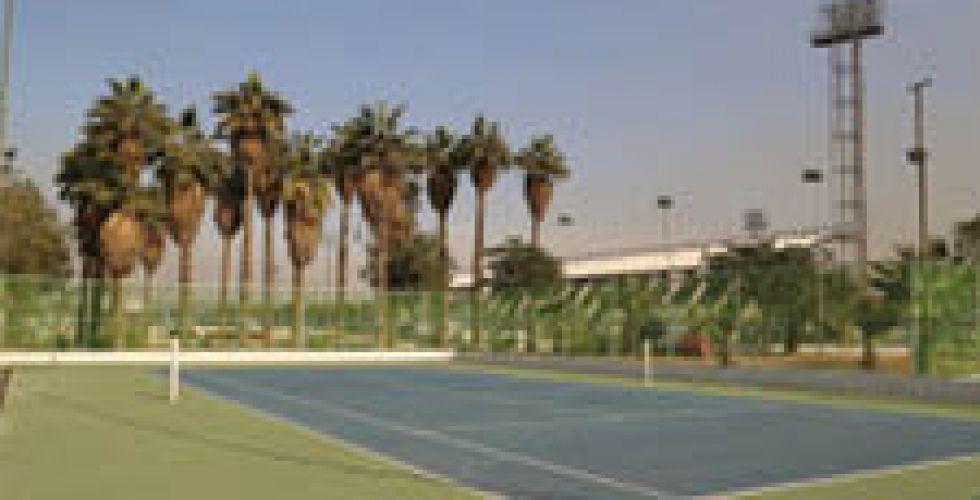 ملاعب التنس تصل  إلى مراحل الإنجاز الأخيرة