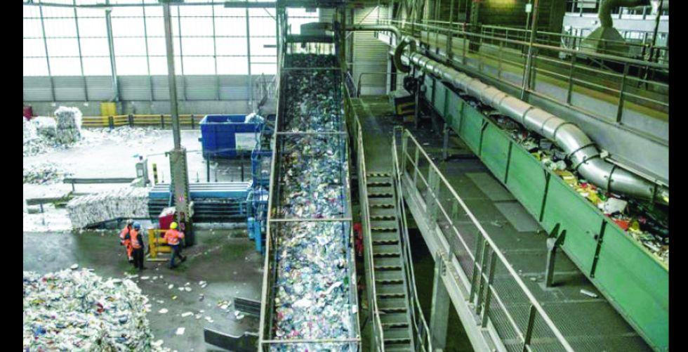 دائرة المخلفات ترمي10 آلاف طن من النفايات يومياً في بغداد