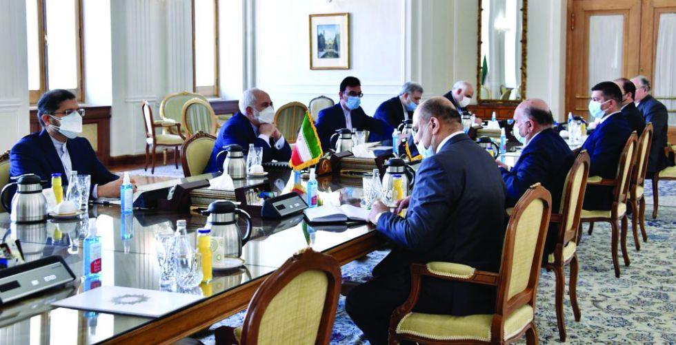 وزير الخارجية يبحث في طهران التطورات السياسية في المنطقة