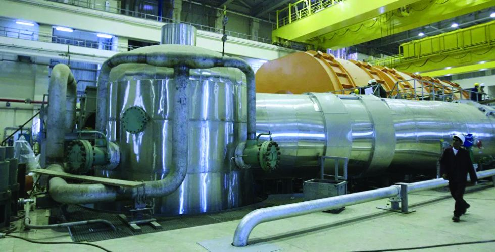 تقرير: إيران تبدأ تخصيب اليورانيوم بأجهزة طرد متطورة