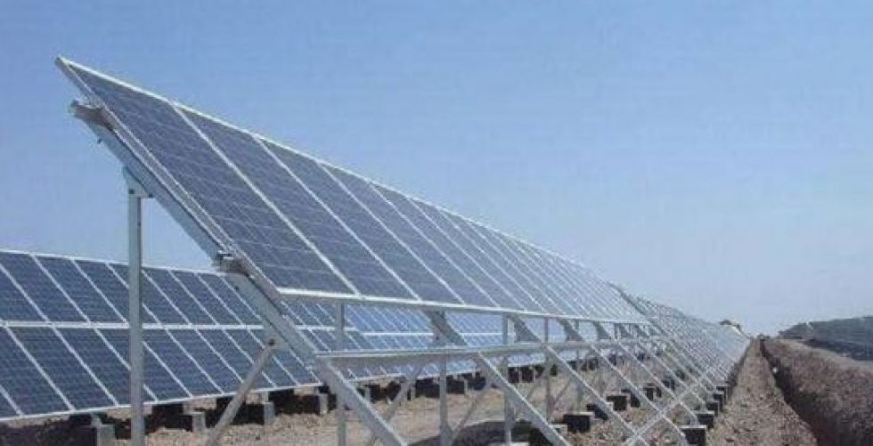 الكهرباء: إحالة جولة التراخيص  الأولى للطاقة الشمسية