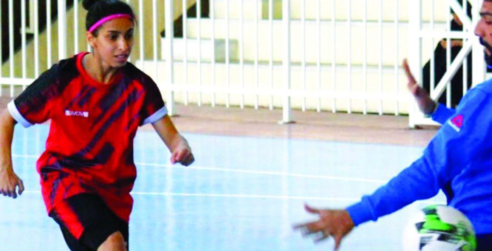 لاعبة صالات الجوية مينا كريم: فريقنا استحق  لقب الدوري عن جدارة