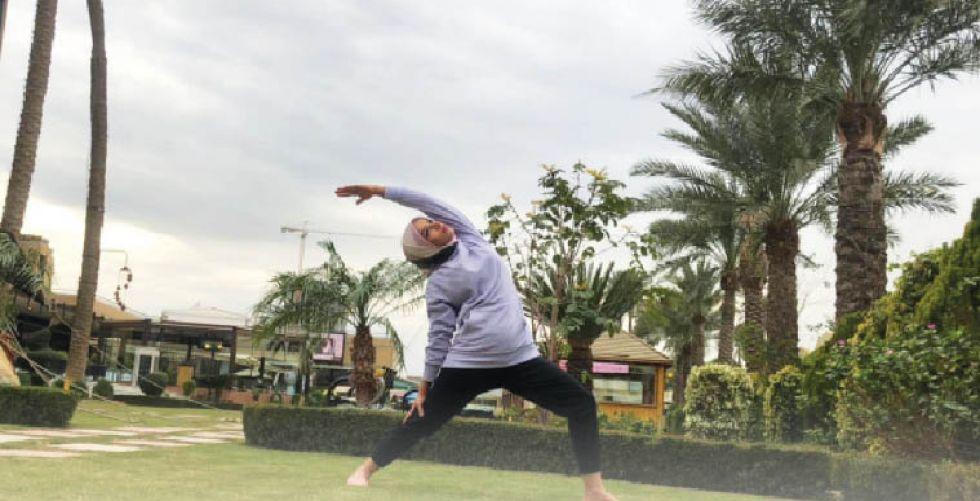 نبأ اسماعيل:  اليوغا طقوس روحية تجذب الأمل وتحارب السلبية
