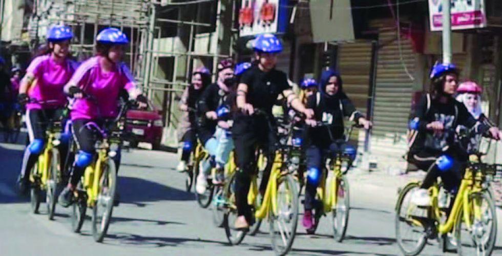 ماراثون الدراجات النسائي يكسر هالة الحزن