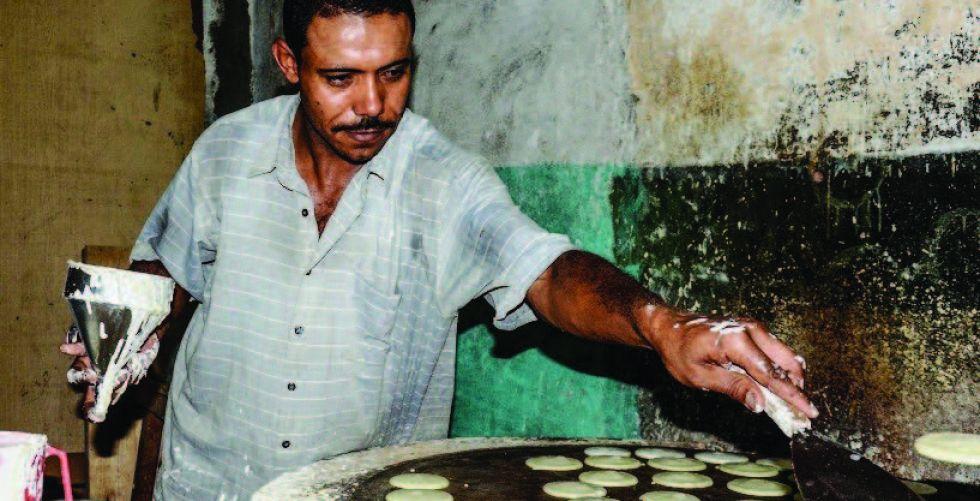 الكنافة والقطائف على موائد رمضان