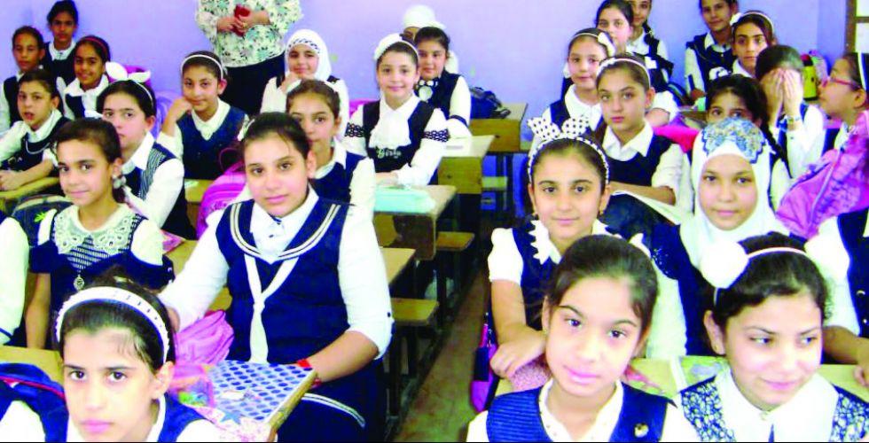 أهالي حي البساتين يطالبون ببناء مدرسة لأولادهم