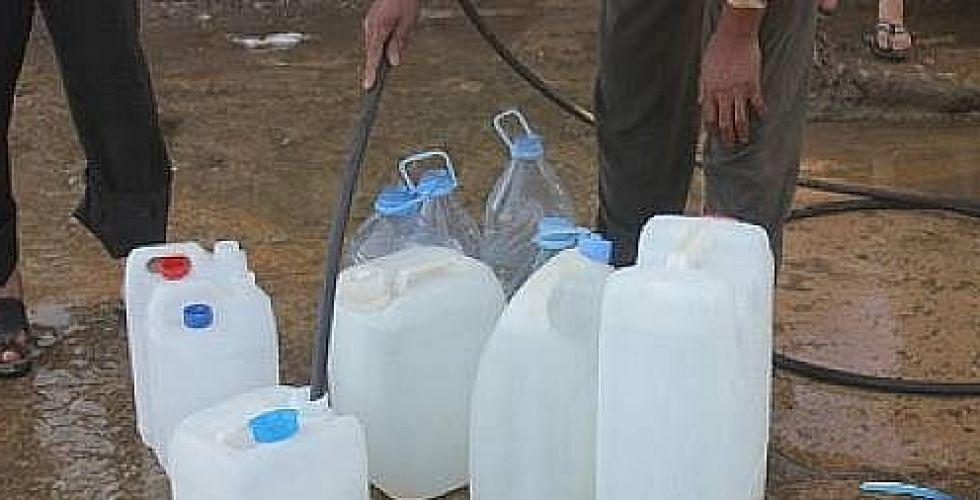 اهالي منطقتي الشعب وحي أور يشكون  من انقطاع ماء الاسالة
