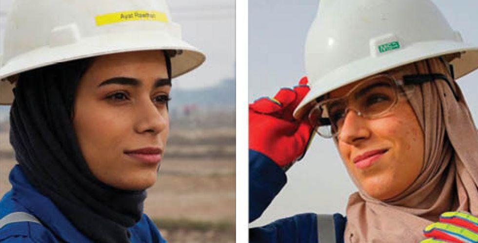 زينب وآيات.. جيل جديد من العراقيات يختبرن العمل