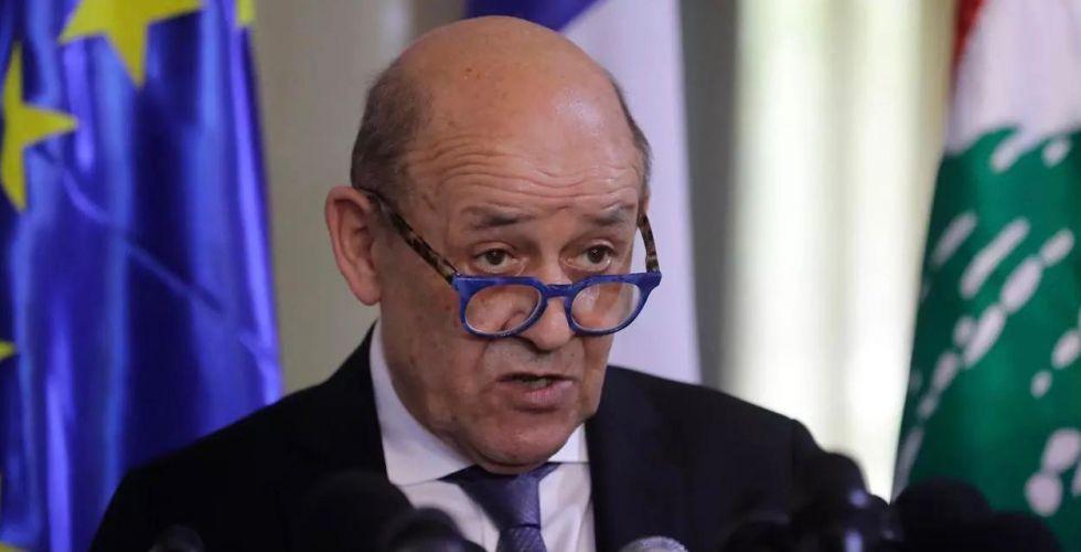 لودريان يحملُ عقوبات أوروبية  إلى بيروت