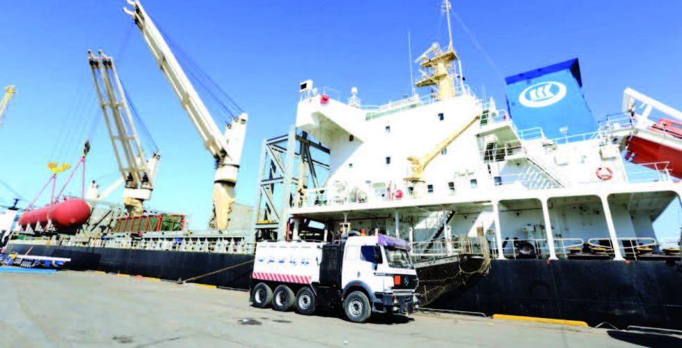 «رسوم إضافية» تهدد بشلّ الحركة التجارية في موانئ البصرة