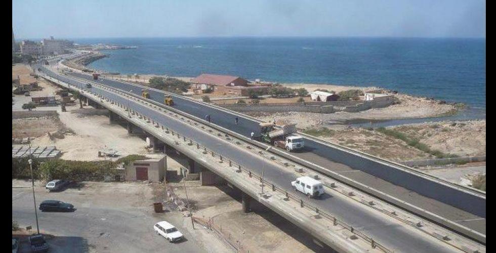 السلطات الليبية تعيد فتح الطريق الساحلي