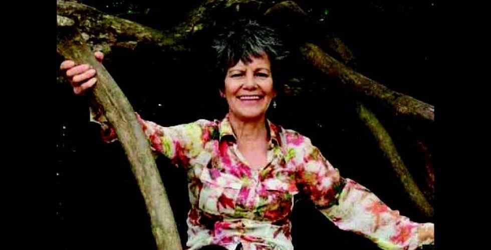في غابات كولومبيا بريطانية عاشت طفولتها  على طريقة طرزان