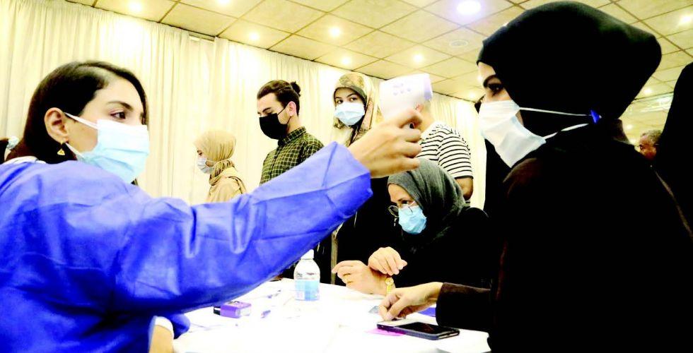 الصحة تلقح ملاكاتها الطبيَّة لطمأنة المواطنين