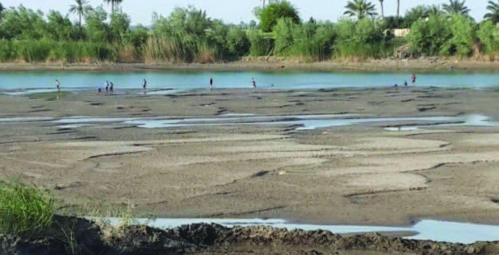 انخفاض مناسيب نهر الفرات