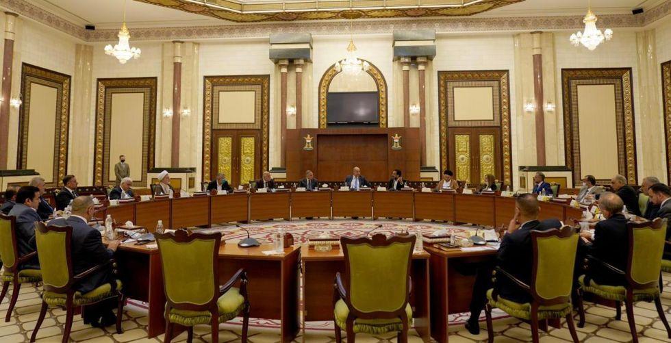 اجتماع سياسي يؤكد إجراء الانتخابات بموعدها ويرحب بنتائح الحوار الستراتيجي