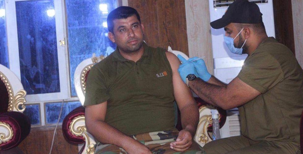 فتح مراكز تطعيم في المخيَّمات والحشد يُوقف رواتب غير الملقحين