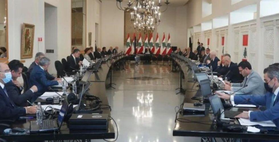 الحكومة اللبنانية تباشر مهامها بعد نيلها الثقة