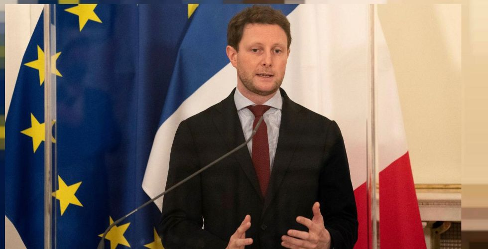 فرنسا ترفض تسليم مقعدها بمجلس الأمن للاتحاد الأوروبي