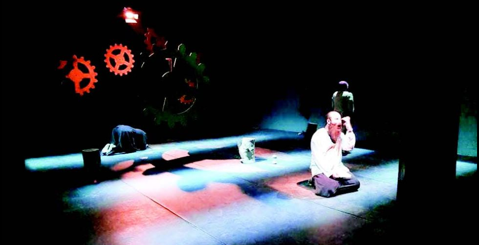 ايزدان.. في منتدى المسرح