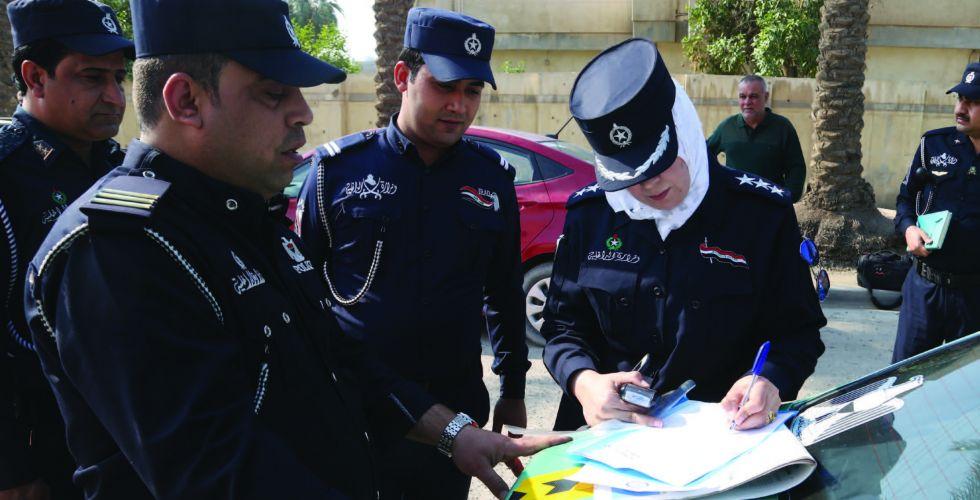 النساء يقدنّ دوريات شرطة النجدة