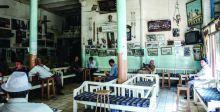 المقاهي .. روح المدينة وضوء الأمكنة