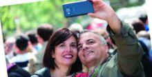 صورُ الأزواجِ على وسائل التواصل الاجتماعي لا تعكسُ سعادتهم