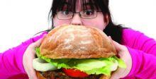 أسبابٌ صحيَّة ومرضيَّة وراء الإفراط في تناول الطعام