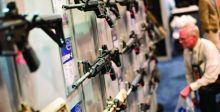 صانع السلاح الأميركي «كولت»  يعلق إنتاج البنادق الآلية «15-AR»