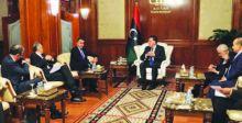 تدخل دولي لحل النزاع المحتدم في ليبيا