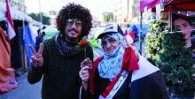 الوردة والعلم العراقي يرفرفان في عيد الحب