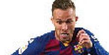 أرتور يأمل بالاستمرار  مع برشلونة