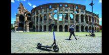 {السكوتر} تغزو شوارع روما