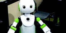 Robovie .. روبوت يفرض ارتداء القناع