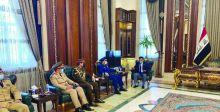 وزير الدفاع يناقش مع رئيس الأركان السعودي العلاقات الثنائية