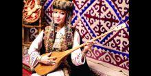 «دومبرا».. آلة موسيقية لها يومٌ وطنيٌ في كازاخستان
