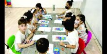 تنمية الأطفال وإبعادهم عن الأجهزة الذكيَّة بالرسم