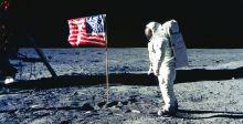 أميركا تعود الى القمر بـ {كل الوسائل الضروريَّة»
