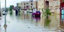 النينو يتسبب بهطول الأمطار وموجة سيول وفيضانات تعم أرجاء البلاد